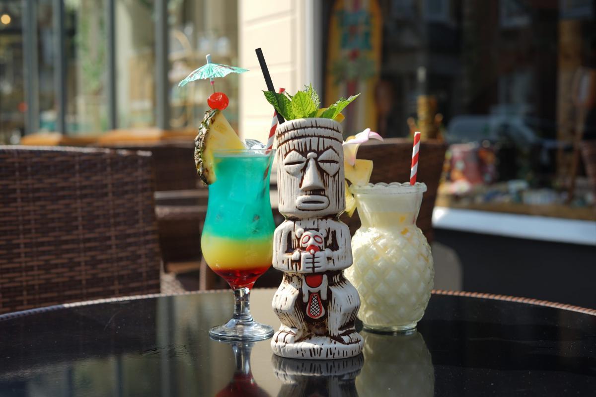 Outdoor Cocktails at Tropic Bar Southampton